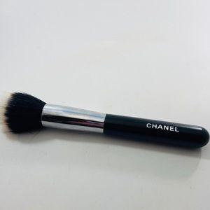 Chanel Foundation/Powder Brush